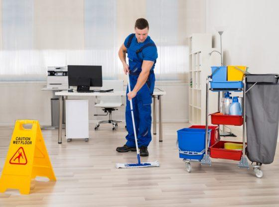 Wózki do sprzątania z osprzętem