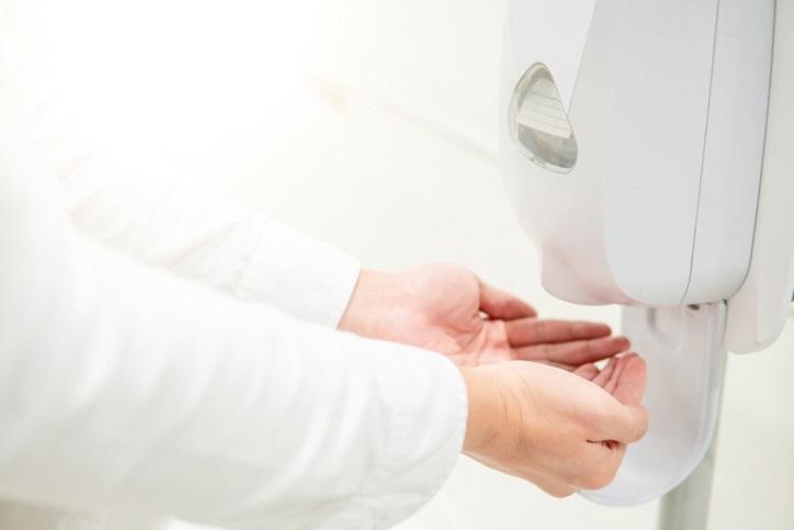 Z jakich materiałów są wykonywane dozowniki do mydła?