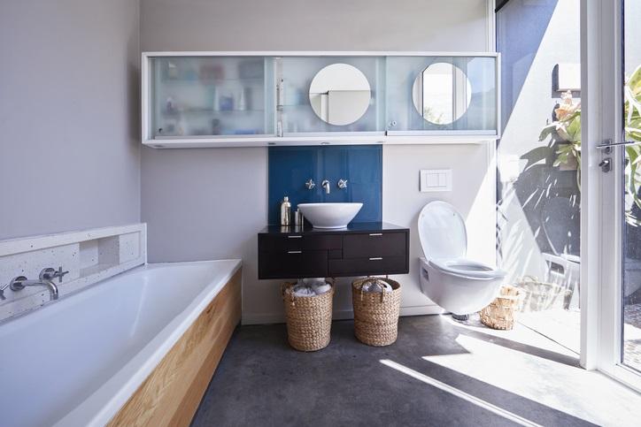 Wyposażenie łazienkowe jako element aranżacji wnętrza