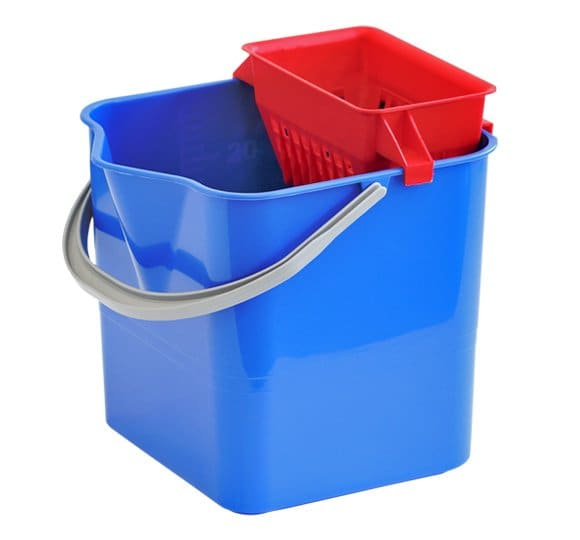Bucket with a mop squeezer 01.250